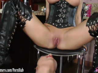 Lesbian Vampire babes in leather tease and eat pussy