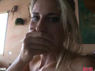 EviLAngel Pornostjerner elsker at blive KOKTE, mens de Cum