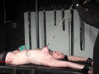 Tatoverede amatør slaver Hardcore bondage + ydmygelse Rack Boob tortur