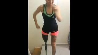 Tanec s falešnou nohou
