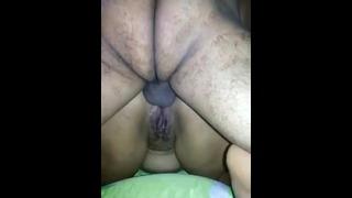 Slår hende dybt i hendes røv