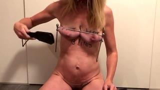 Painslut Challenge: Sæd på 60 sekunder! Hardcore bryster og brystvorter pine